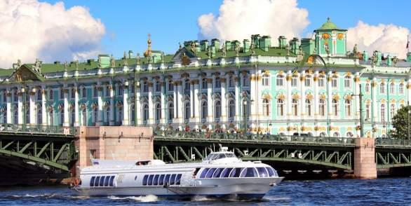 Hydrofoil trip to Peterhof