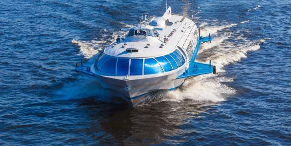 Hydrofoil to Peterhof with departure from the Palace Pier