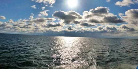 Экскурсия по озеру Байкал в бухту Песчаная